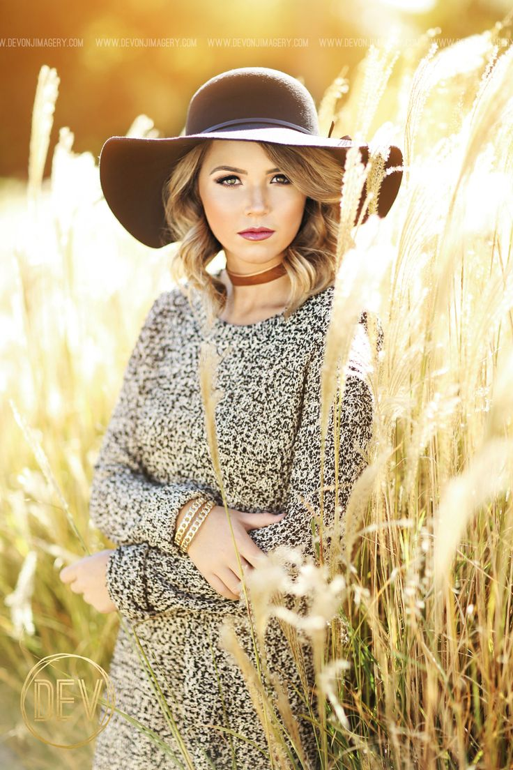 Outdoor Senior Pic Idea! Styled shoot - Hairstyle - Loose ... |Senior Picture Ideas For Girls Outside