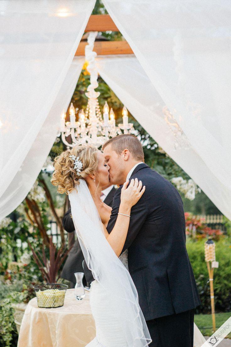 Wedding photography ideas this kiss silverfox weddings for Long island wedding photographers