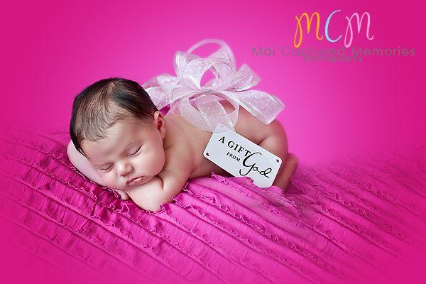 Description newborn girl